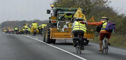 Tracto-vélo de Notre-Dame-des-Landes à Paris contre le projet d'aéroport
