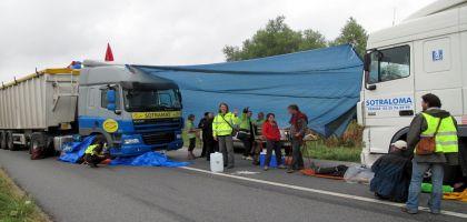 Des activistes bloquent l'approvisionnement en blé d'une usine d'agro-carburants
