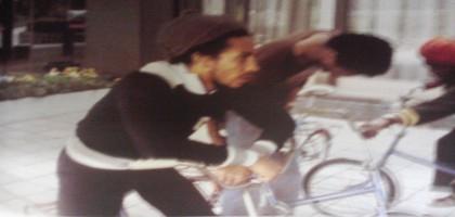Bob Marley fait du vélo