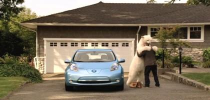 Publicité automobile: l'ours polaire qui dit merci à l'automobiliste !