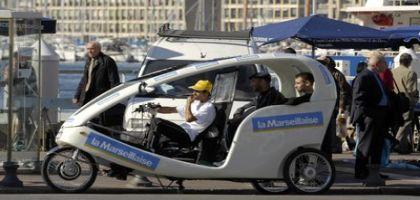 Marseille: les vélos-taxis balancés dans le vieux-port?