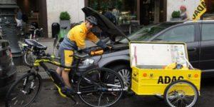 Les réparateurs de voiture… à vélo